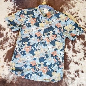 Vans Floral Tailored Fit SS Button Up Size Medium